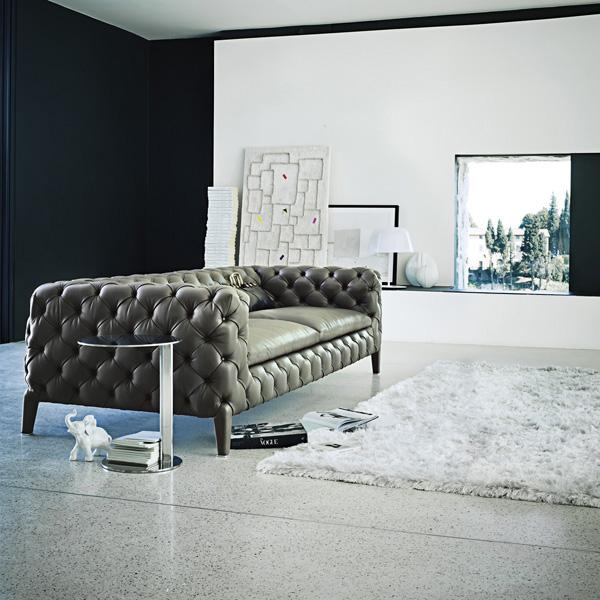 canapea vintage cu un design deosebit de apreciat