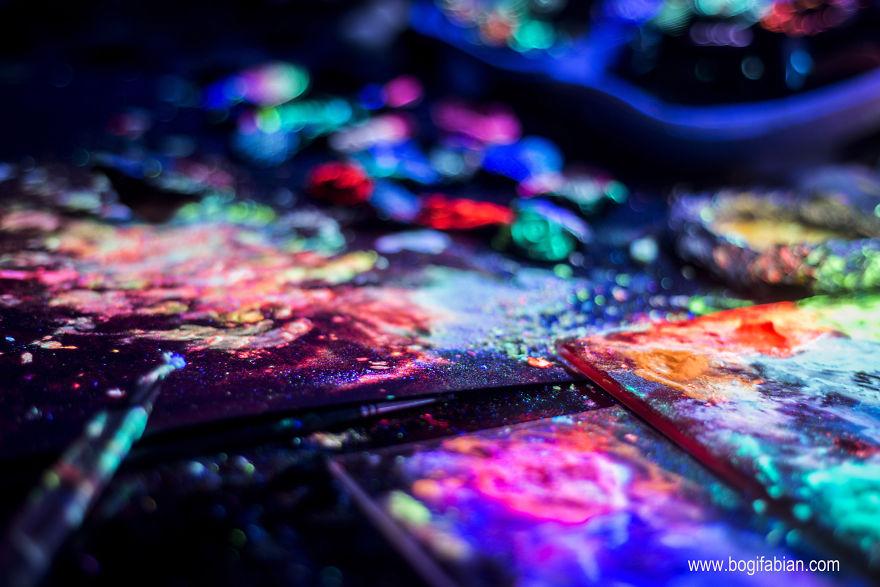 Pictura-pe-pereti-care-straluceste-18