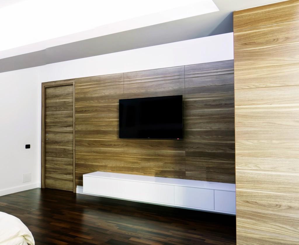 Design_interior_placare_perete_si_usa_apartament_nou_brasov