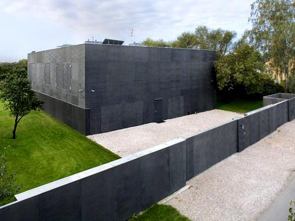 imagine-exterioara-casa-sigura