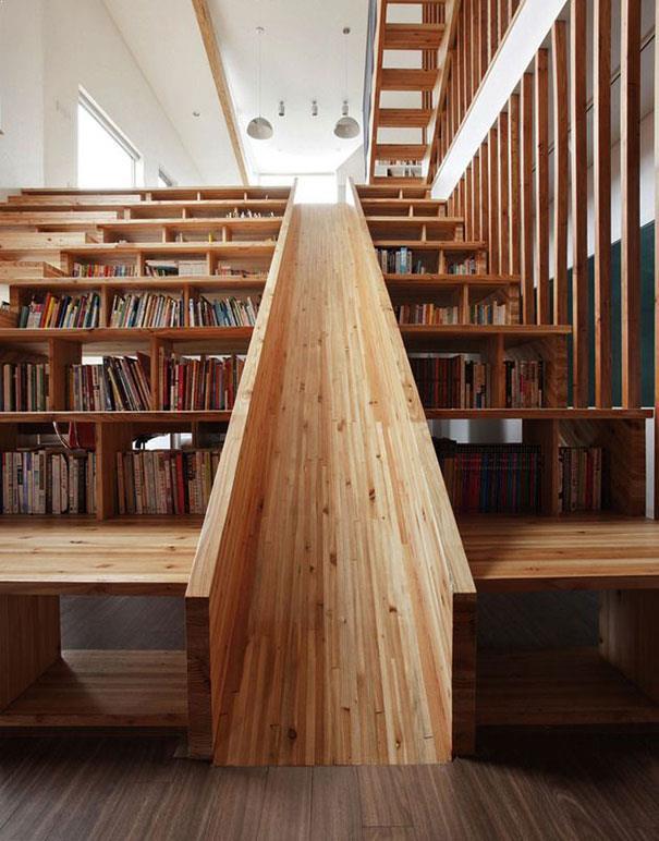 scari interioare din lemn cu tobogan pentru copii
