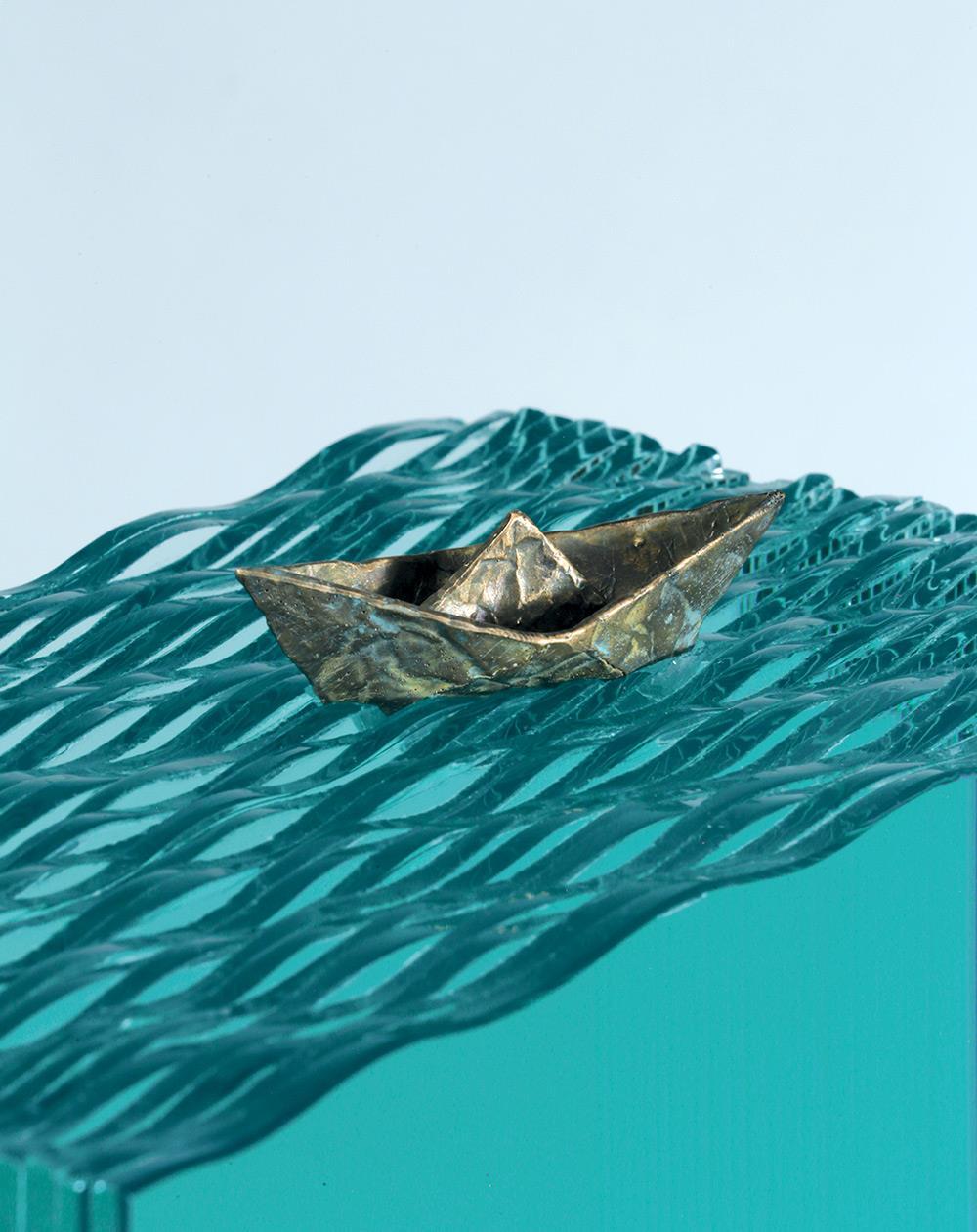 Arta-decorativa-barca-pe-valuri