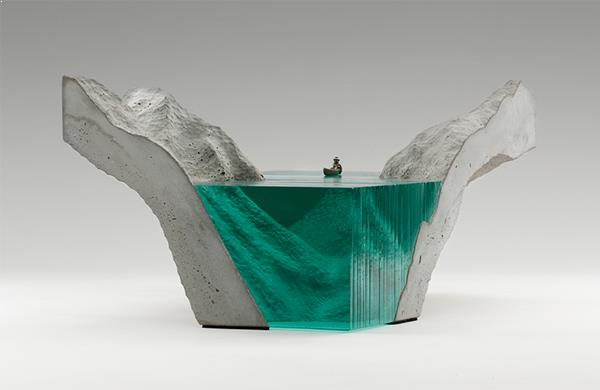 munte-mare-beton-si-sticla-design-decorativ