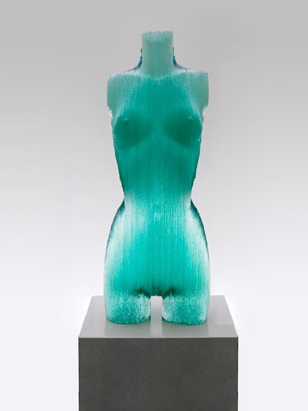 sculptura-arta-decorativa-sticla-corp-femeie