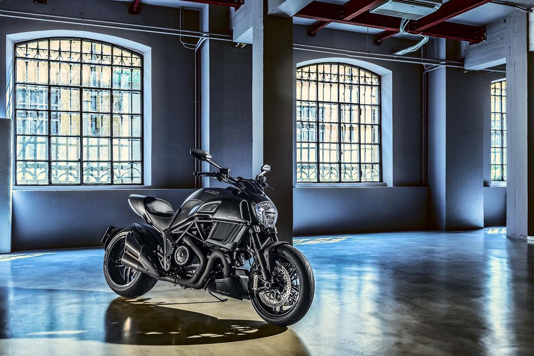 17_poze-motociclete_ducati_diavel