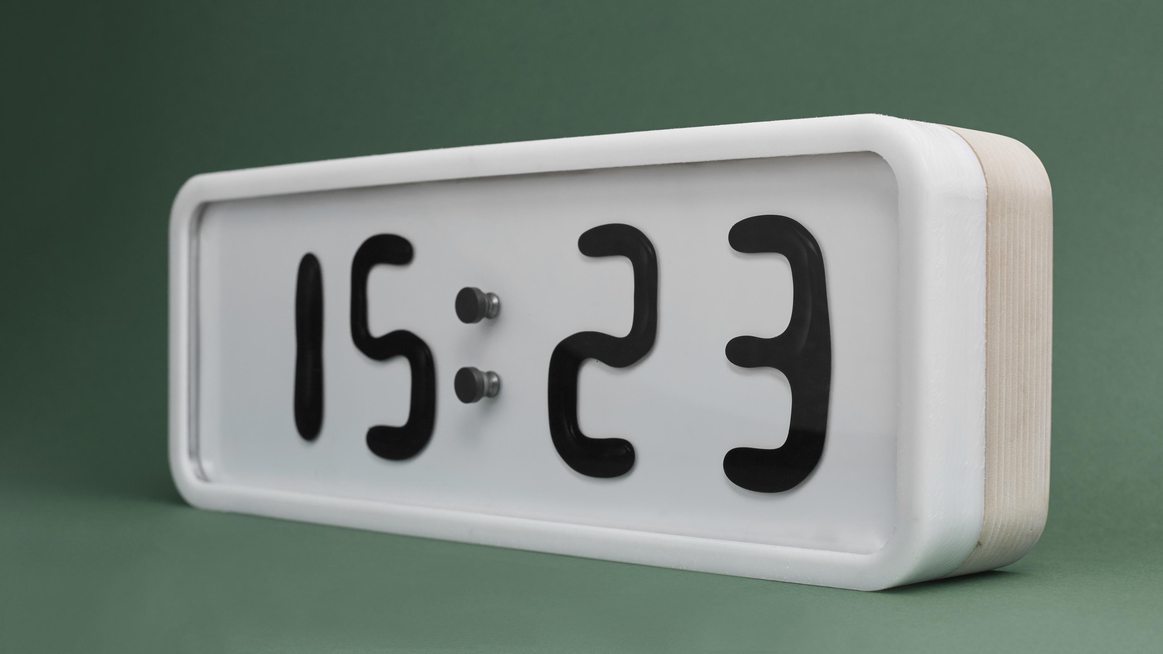 3_idee geniala ceas de masa