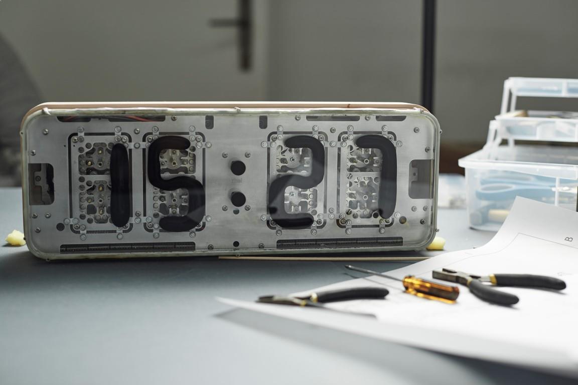7 prototip ceas de masa mecanism magnetic de afisare a orei