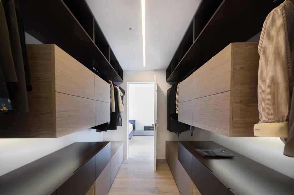 amenajare dressing casa moderna