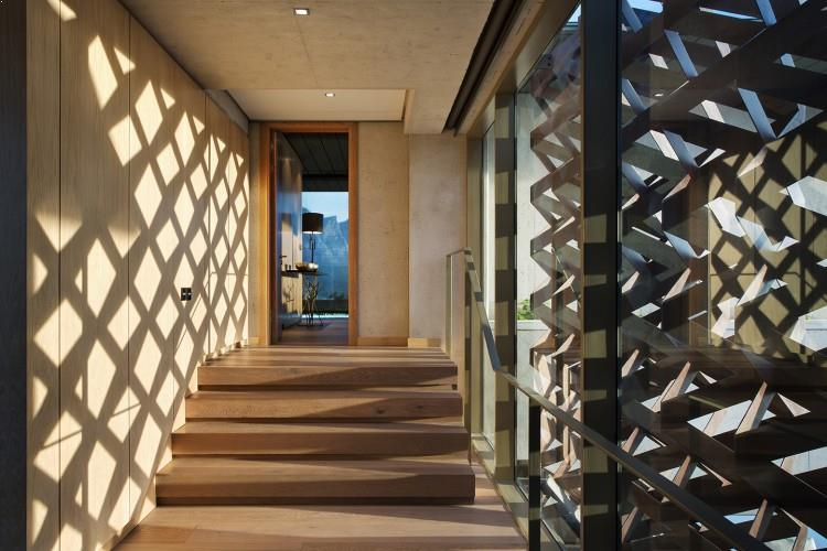 interioare case frumoase usi inalte