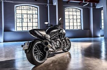 off topic Ducati Diavel Carbon 2016