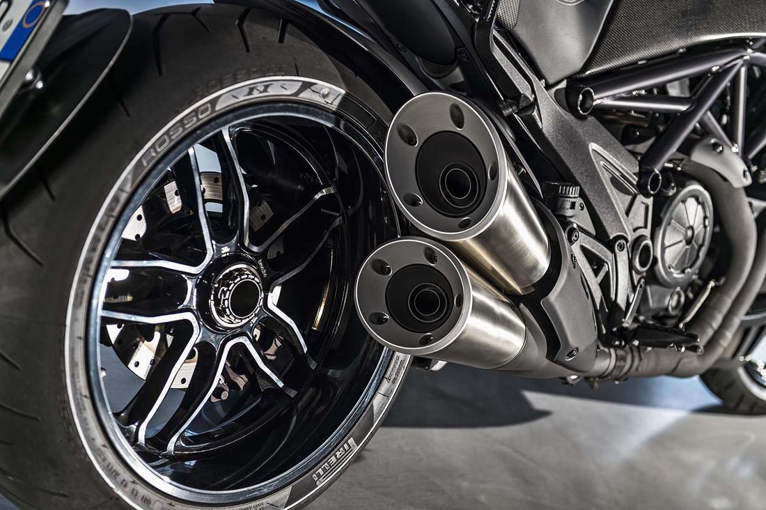 janta_si_esapament_motocicleta