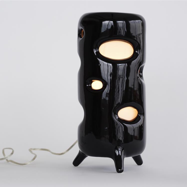 lampa_de_birou_ceramica_neagra