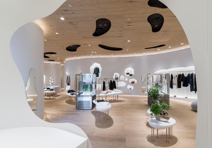 amenajare magazin haine de lux din japonia