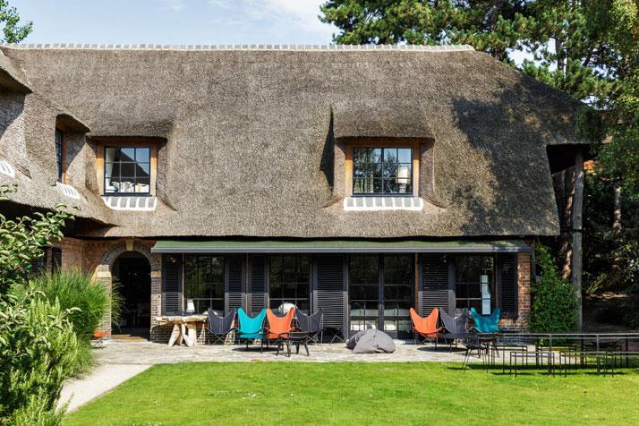 terasa si exterior pensiune turistica