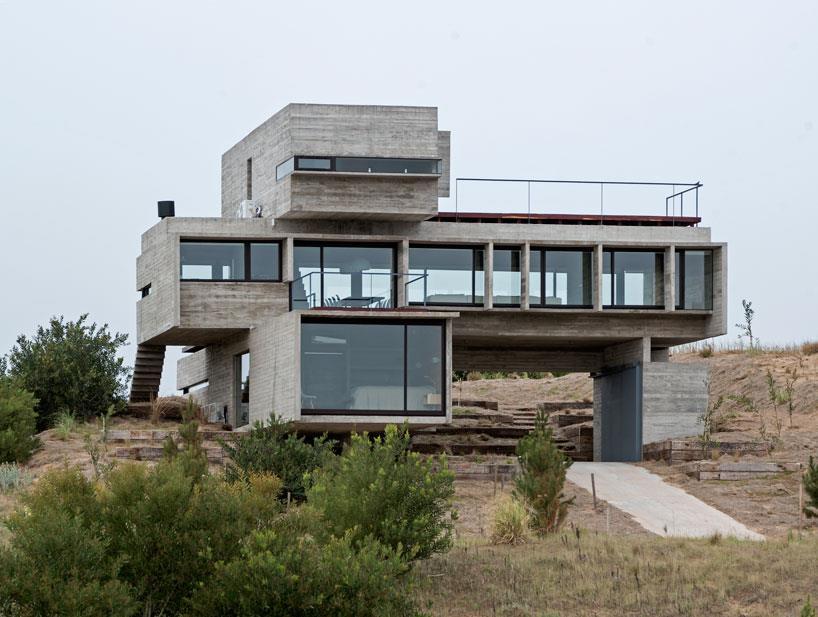 fatada_casa_beton_aparent