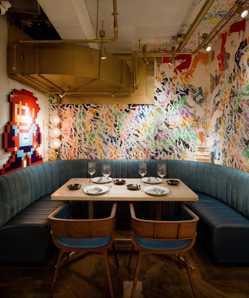 Zugraveli_interioare_multicolore_restaurant