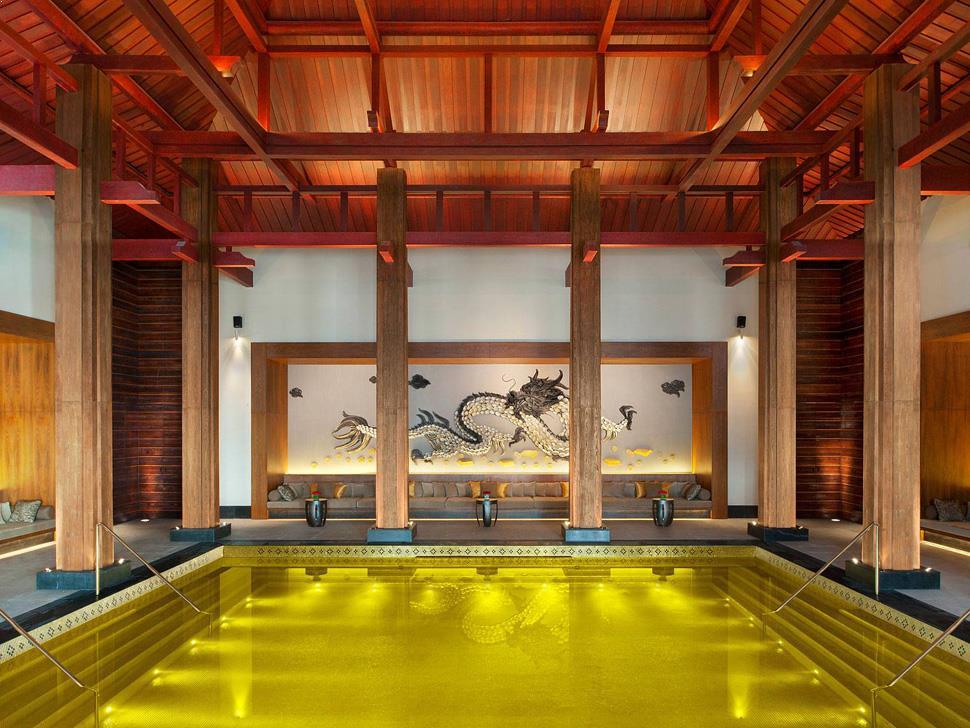 piscina_placata_cu_aur_tibet