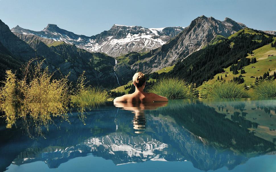 piscina_superba_la_munte
