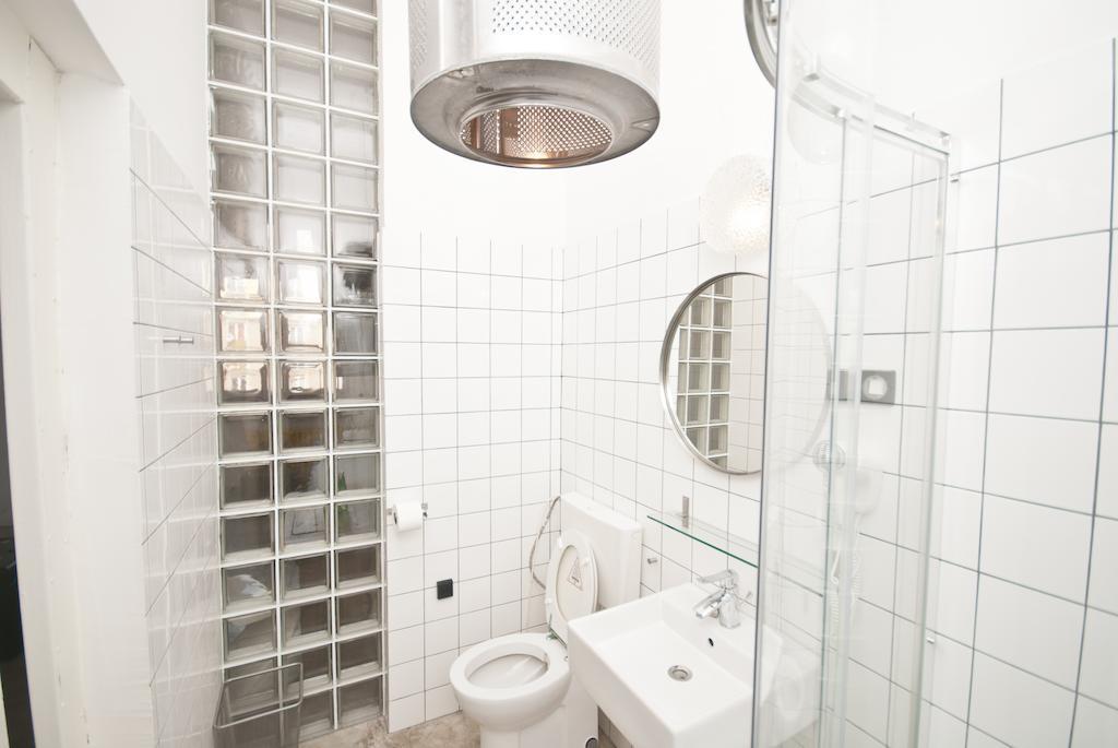 Amenajare_baie_apartament_hostel